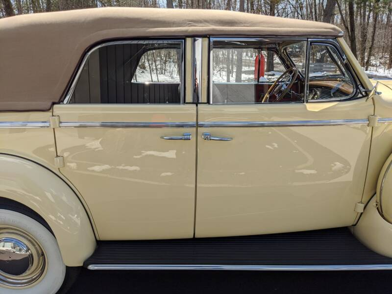 1940 Buick Limited 47