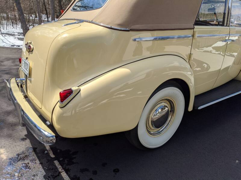 1940 Buick Limited 48