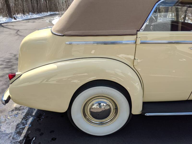 1940 Buick Limited 49