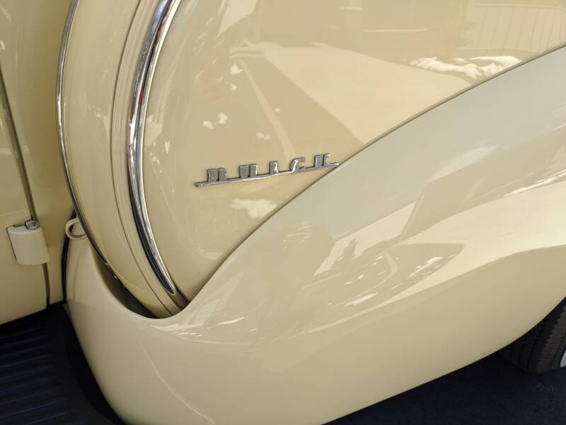1940 Buick Limited 56