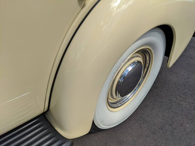 1940 Buick Limited 85