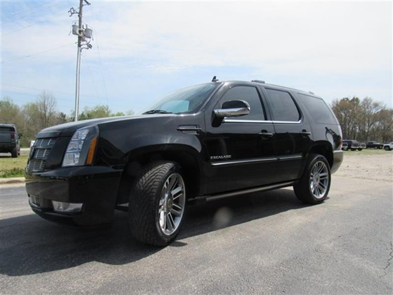 hartford sale escalade ct for cars salvage lot esv cadillac