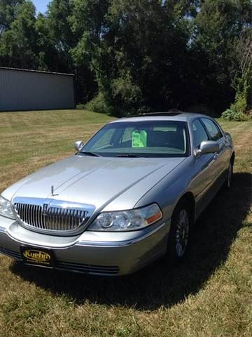 2006 Lincoln Town Car for sale at KUEHN AUTO SALES in Stanton NE