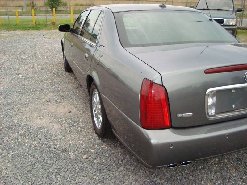 2004 Cadillac DeVille for sale at Branch Avenue Auto Auction in Clinton MD