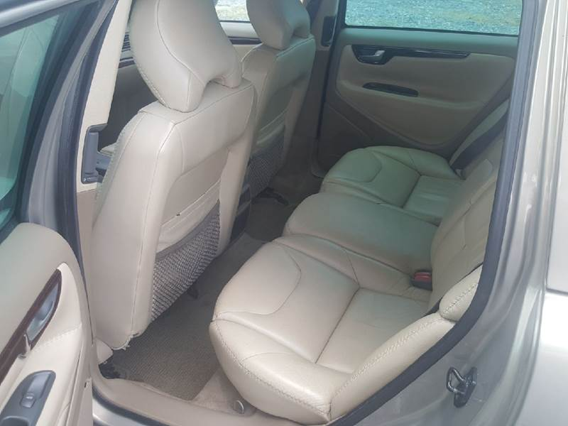 2003 Volvo XC70 for sale at Branch Avenue Auto Auction in Clinton MD