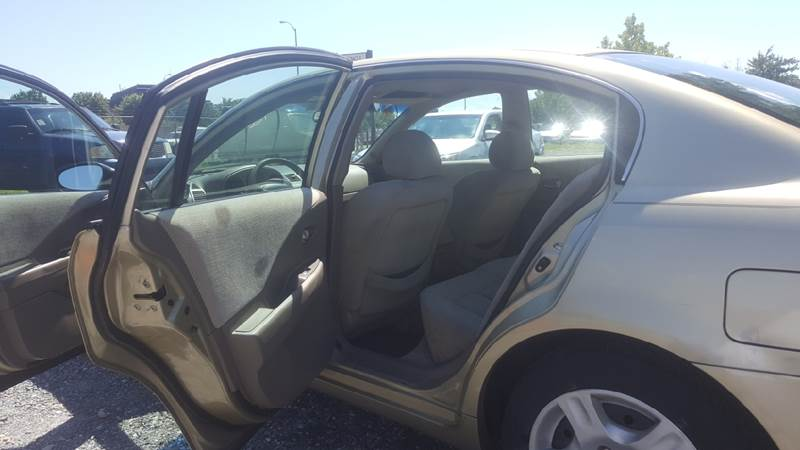 2004 Nissan Altima for sale at Branch Avenue Auto Auction in Clinton MD
