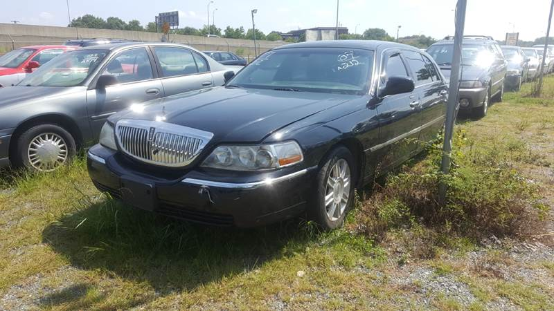 2007 Lincoln Town Car for sale at Branch Avenue Auto Auction in Clinton MD