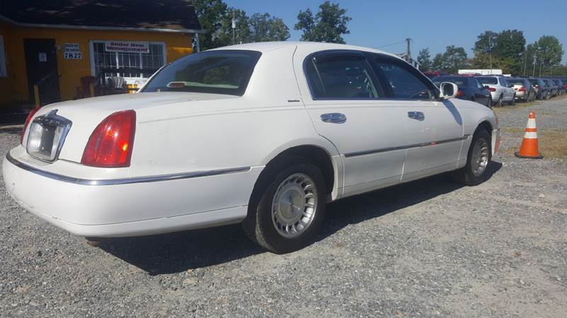 1999 Lincoln Town Car for sale at Branch Avenue Auto Auction in Clinton MD