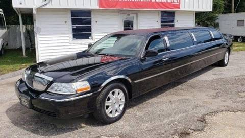 2007 Lincoln Town Car for sale in We Help Ship Worldwide!, AZ