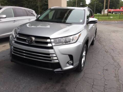 2017 Toyota Highlander for sale at Summit Credit Union Auto Buying Service in Winston Salem NC