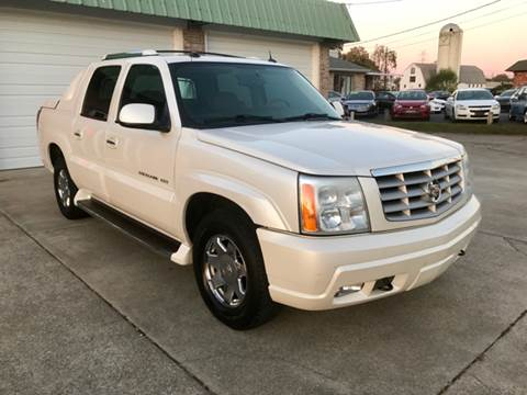 2004 Cadillac Escalade EXT for sale at HillView Motors in Shepherdsville KY