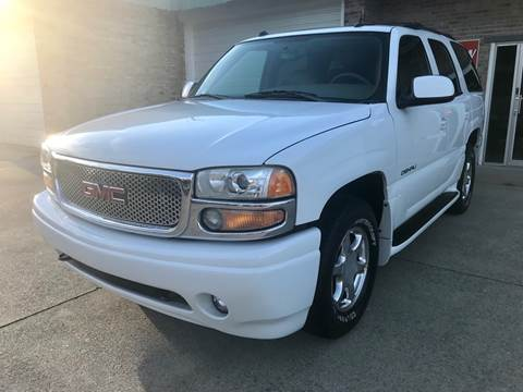 2004 GMC Yukon for sale at HillView Motors in Shepherdsville KY
