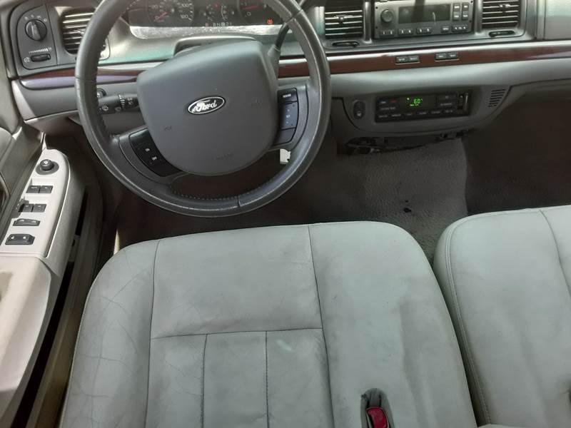 Incredible 2011 Ford Crown Victoria Lx 4Dr Sedan In Evansville In Machost Co Dining Chair Design Ideas Machostcouk