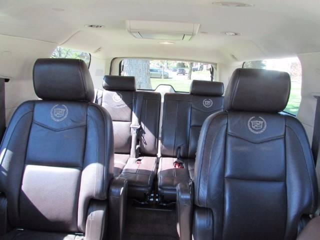 2011 Cadillac Escalade ESV for sale at Auto Select in Lexington KY