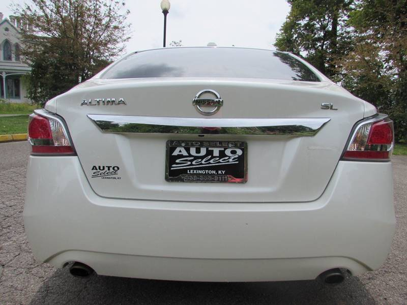 2015 Nissan Altima for sale at Auto Select in Lexington KY