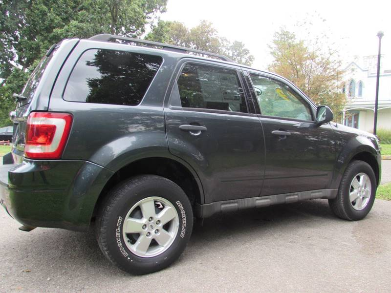 2009 Ford Escape for sale at Auto Select in Lexington KY