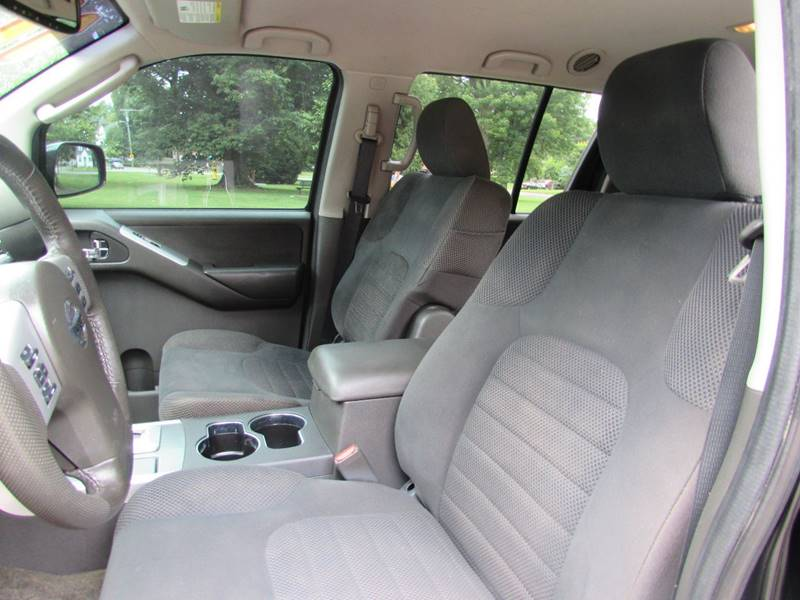 2011 Nissan Pathfinder for sale at Auto Select in Lexington KY