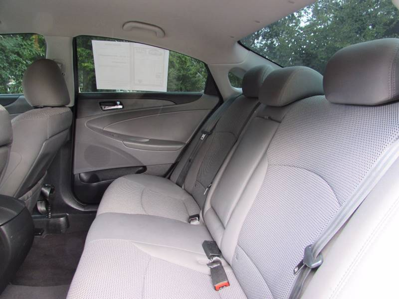 2011 Hyundai Sonata for sale at Auto Select in Lexington KY
