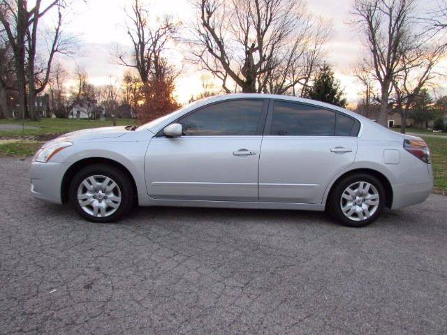 2011 Nissan Altima for sale at Auto Select in Lexington KY