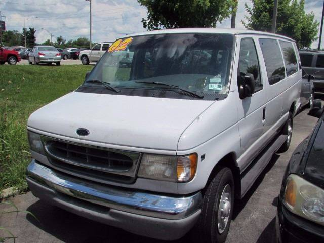 2002 Ford E-Series Wagon for sale at Auto Select in Lexington KY
