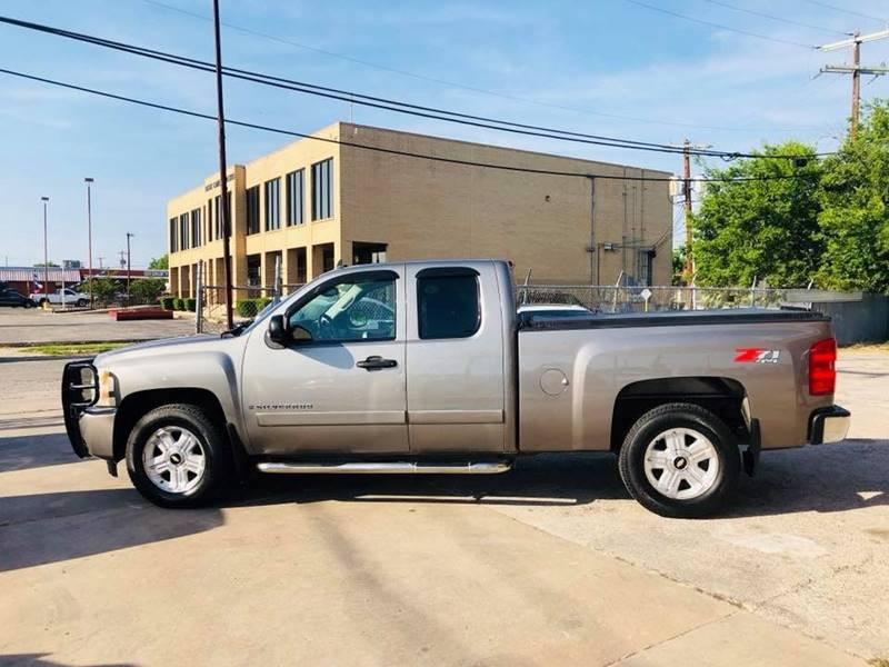 2007 Chevrolet Silverado 1500 for sale at FAST LANE AUTO SALES in San Antonio TX