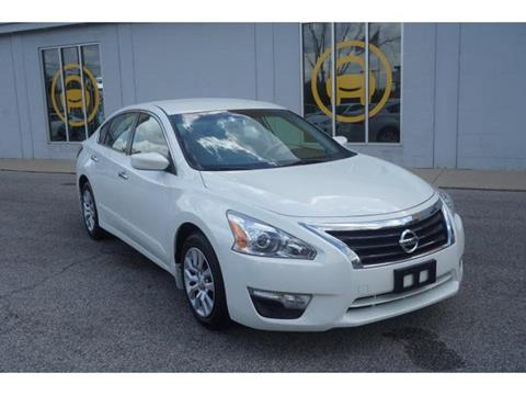 2015 Nissan Altima for sale in Muncie, IN