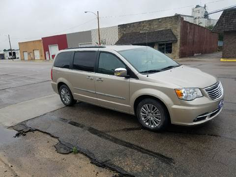 2014 Chrysler Town and Country for sale in Dorchester, NE
