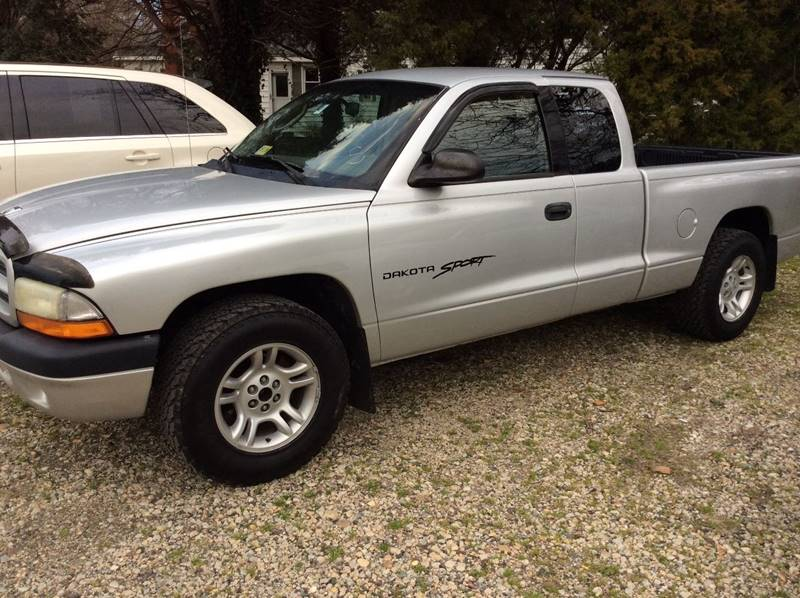 2001 Dodge Dakota for sale at Gaita Auto Sales in Poquoson VA
