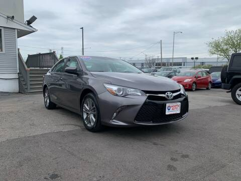 2017 Toyota Camry SE for sale at 355 North Auto in Lombard IL