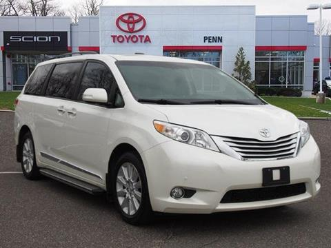 2013 Toyota Sienna for sale in Greenvale, NY