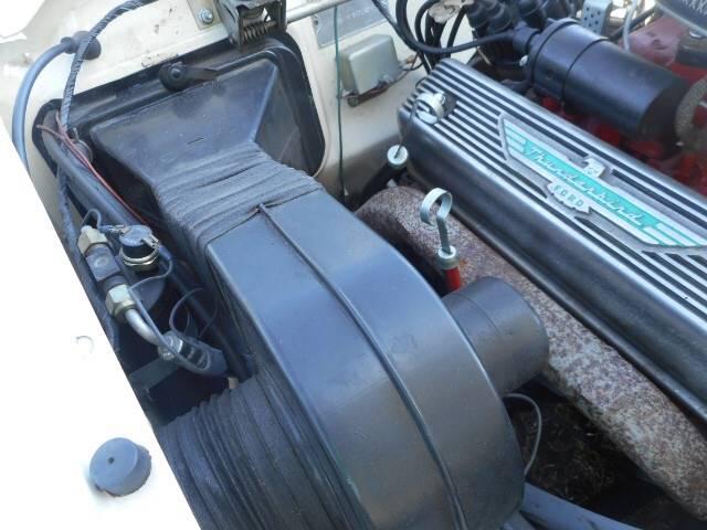 1957 Ford Thunderbird 23