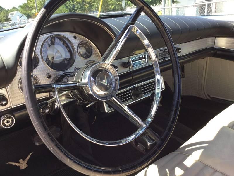 1957 Ford Thunderbird 13
