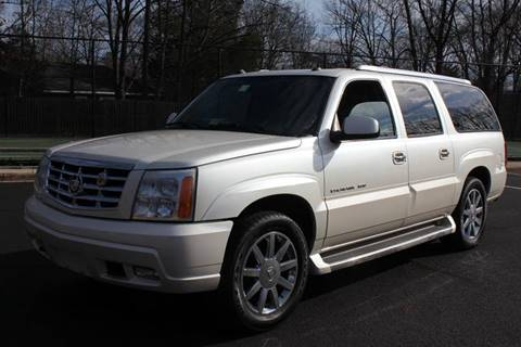 2005 Cadillac Escalade ESV for sale at Auto Bahn Motors in Winchester VA