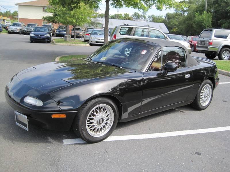 1993 Mazda MX-5 Miata for sale at Auto Bahn Motors in Winchester VA