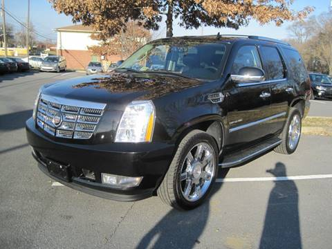 2011 Cadillac Escalade for sale at Auto Bahn Motors in Winchester VA