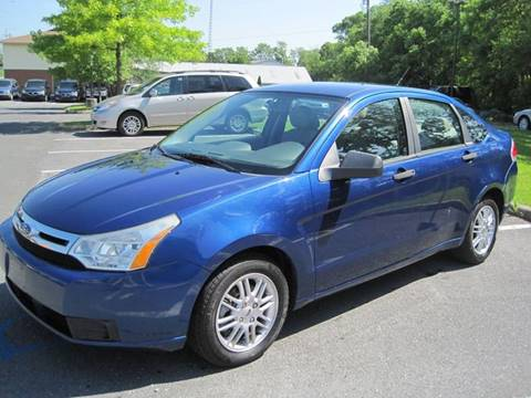 2009 Ford Focus for sale at Auto Bahn Motors in Winchester VA