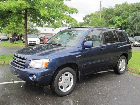 2005 Toyota Highlander for sale at Auto Bahn Motors in Winchester VA