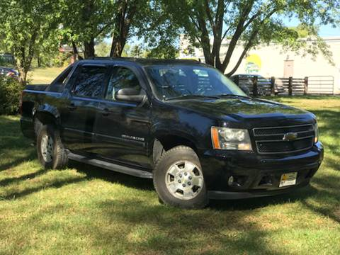 Used cars waterloo used pickups for sale des moines ia cedar rapids 2007 chevrolet avalanche for sale at sunny automotive in waterloo ia publicscrutiny Gallery