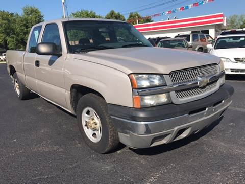 2004 Chevrolet Silverado 1500 for sale at Wise Investments Auto Sales in Sellersburg IN