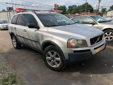 2004 Volvo XC90 for sale at Wise Investments Auto Sales in Sellersburg IN