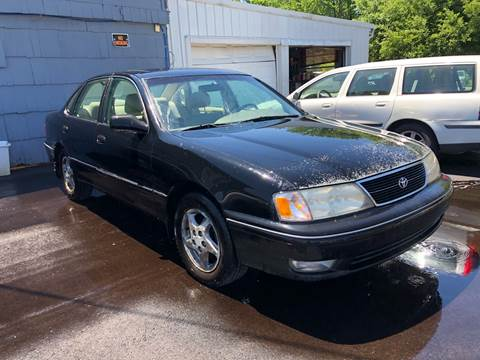1999 Toyota Avalon for sale at Wise Investments Auto Sales in Sellersburg IN