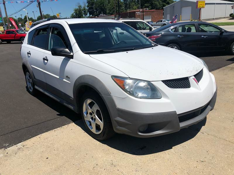 2004 Pontiac Vibe for sale at Wise Investments Auto Sales in Sellersburg IN