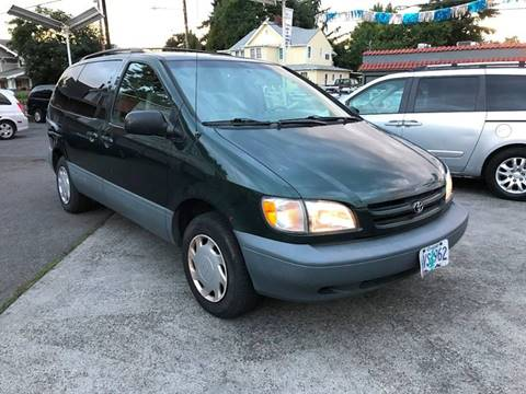 1999 Toyota Sienna for sale in Portland, OR