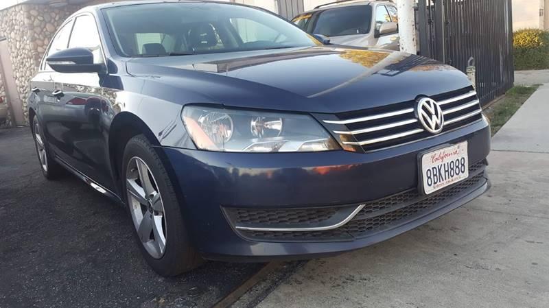 2012 Volkswagen Passat SE PZEV 5M