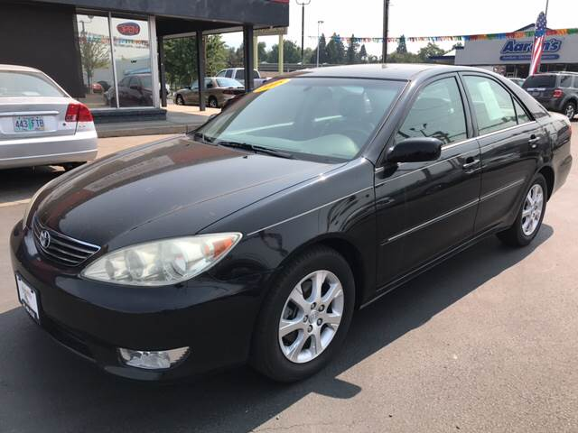 2005 Toyota Camry for sale at Schroeder Auto Wholesale in Medford OR