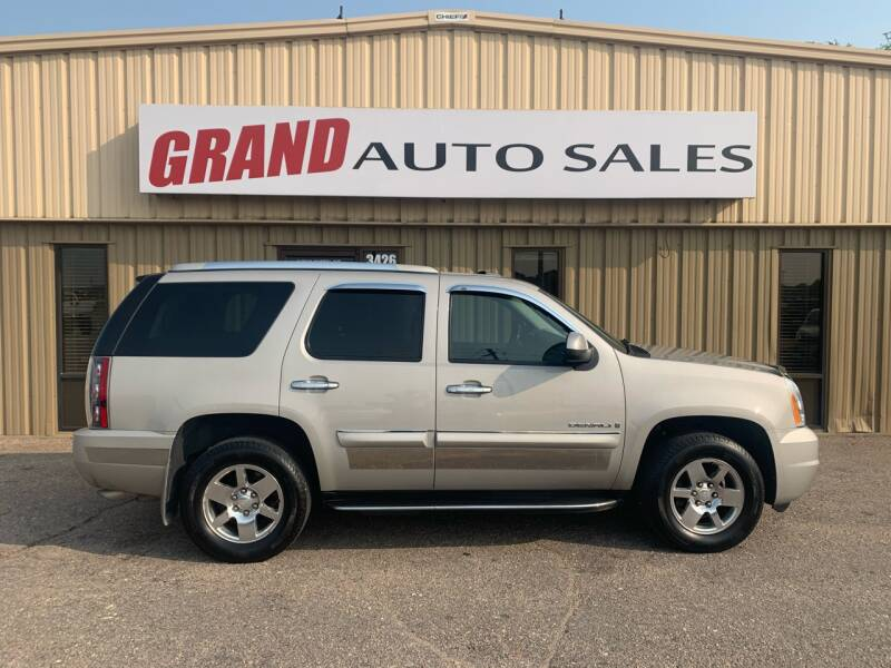 2007 GMC Yukon for sale at GRAND AUTO SALES in Grand Island NE