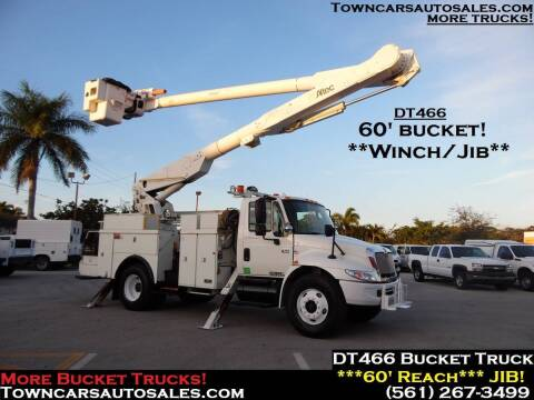 2005 International DuraStar 4300 for sale at Town Cars Auto Sales in West Palm Beach FL