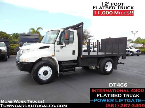 2007 International DuraStar 4300 for sale at Town Cars Auto Sales in West Palm Beach FL