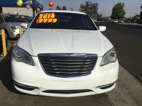2014 Chrysler 200 for sale in Visalia, CA