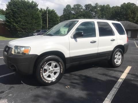 2005 Ford Escape for sale at GTO United Auto Sales LLC in Lawrenceville GA